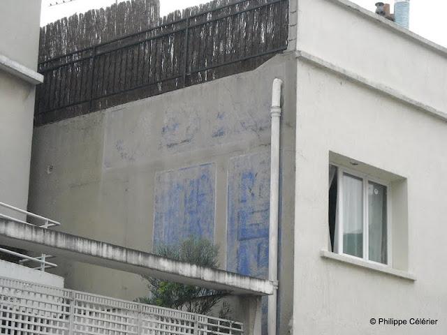 les murs peints s 39 affichent magasin de meubles clamart 92. Black Bedroom Furniture Sets. Home Design Ideas