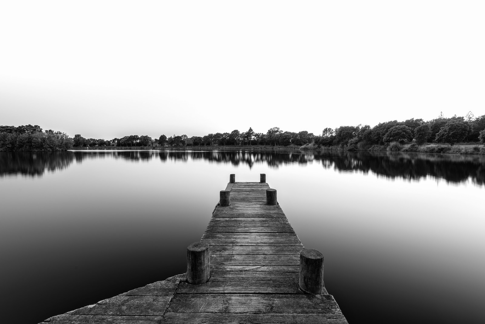 black and white jetty lake image