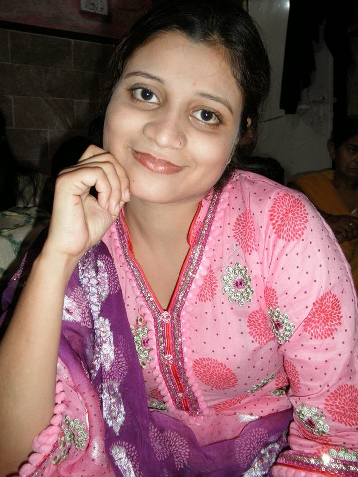Cute Housewife Pakistani Punjabi Woman Pix