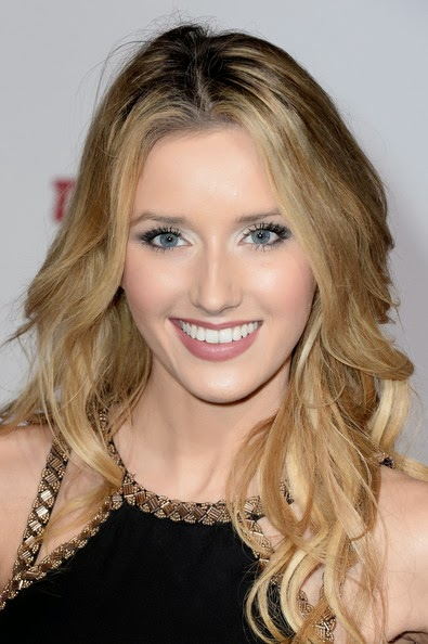Sloane Avery Long Wavy Cut Hairstyle
