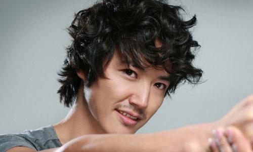 10 artis korea terganteng 2012-2013