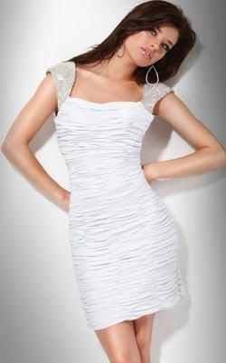 Peinados para vestidos cortos blancos