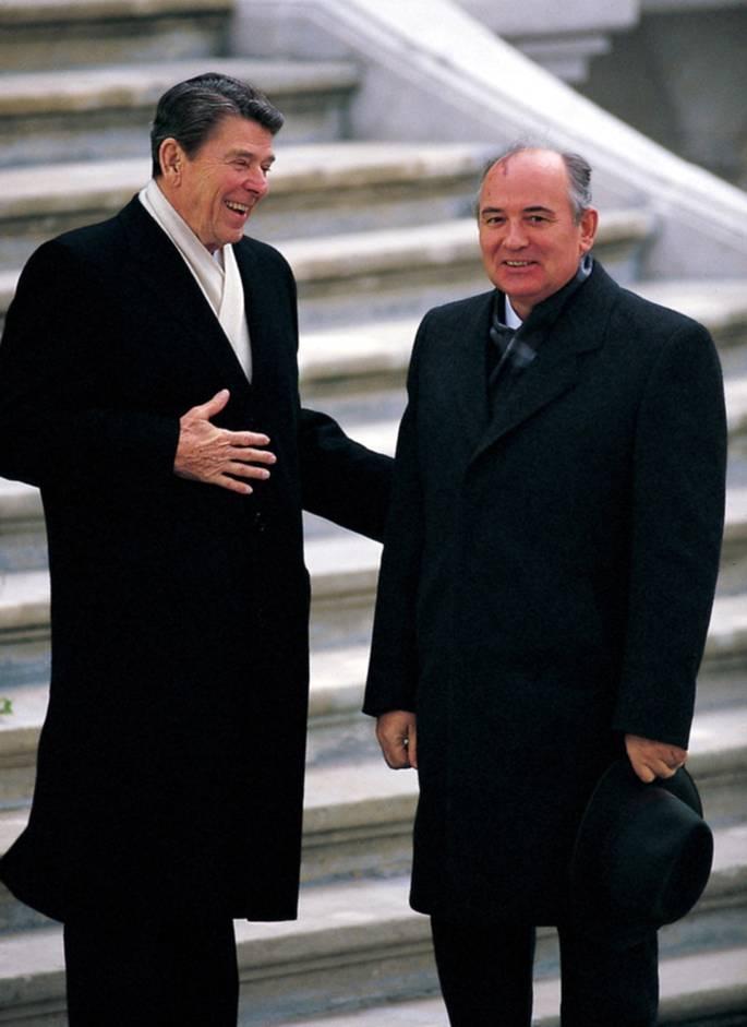 Ronald Reagan, Mikhail Gorbachev, 1985