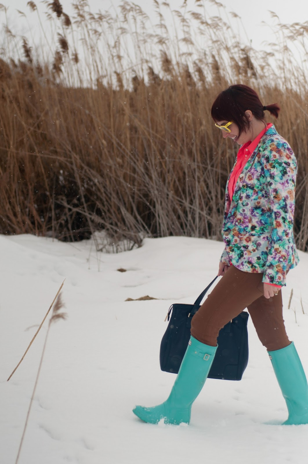 fashion blog, fashion blogger, mens fashion, mens style blog, blazer, floral, floral blazer, blue, pink, teal, hot pink, floral print, floral clothing, nordstrom, jcrew, jcrew blouse, silk blouse, blouse, waxed jeans, waxed pants, citizens of humanity, hunter, hunter boots, rain boots, rain boot, teal hunter boot, blue hunter boots, glossy boots, boot, glossy hunter boot, tory burch, leather purse, navy purse, leather purse, navy leather, ray ban, ray bans, wayfer, wayfer ray ban, earrings, bow earrings, gold earrings, womens style, fashion, style, fashion blogger, womens fashion blogger, neon yellow, snow, reeds, personal style, outfit post, style post,