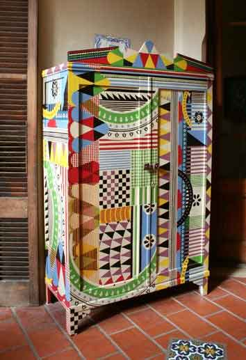 Funky furniture on pinterest funky painted furniture - Armarios pintados a mano ...