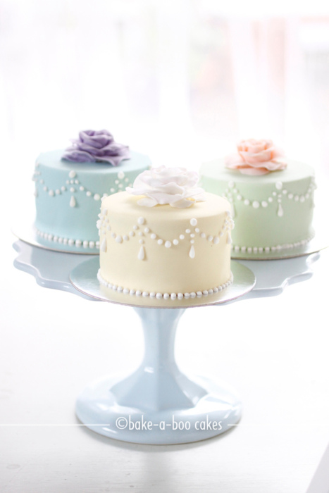 Mini Cake Design Ideas : Louisville Wedding Blog - The Local Louisville KY wedding ...