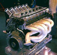 MOTOR DOHC 24V = Doble Arbol de Levas en Cabeza y 24 válvulas