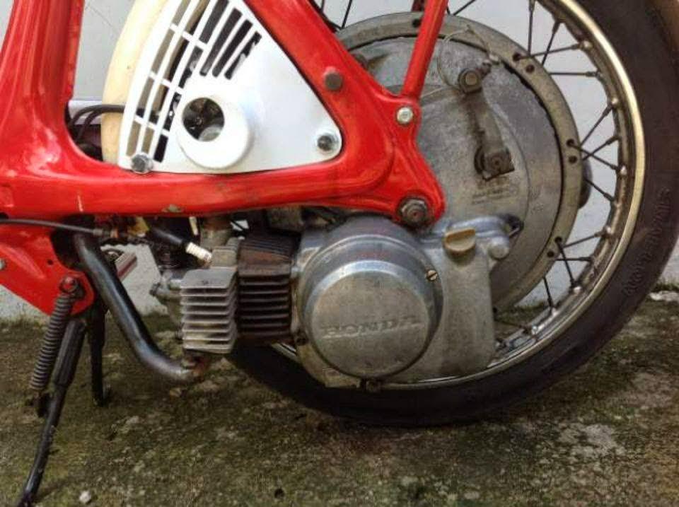 Sepeda Motor Antik HOnda V50 Dijual