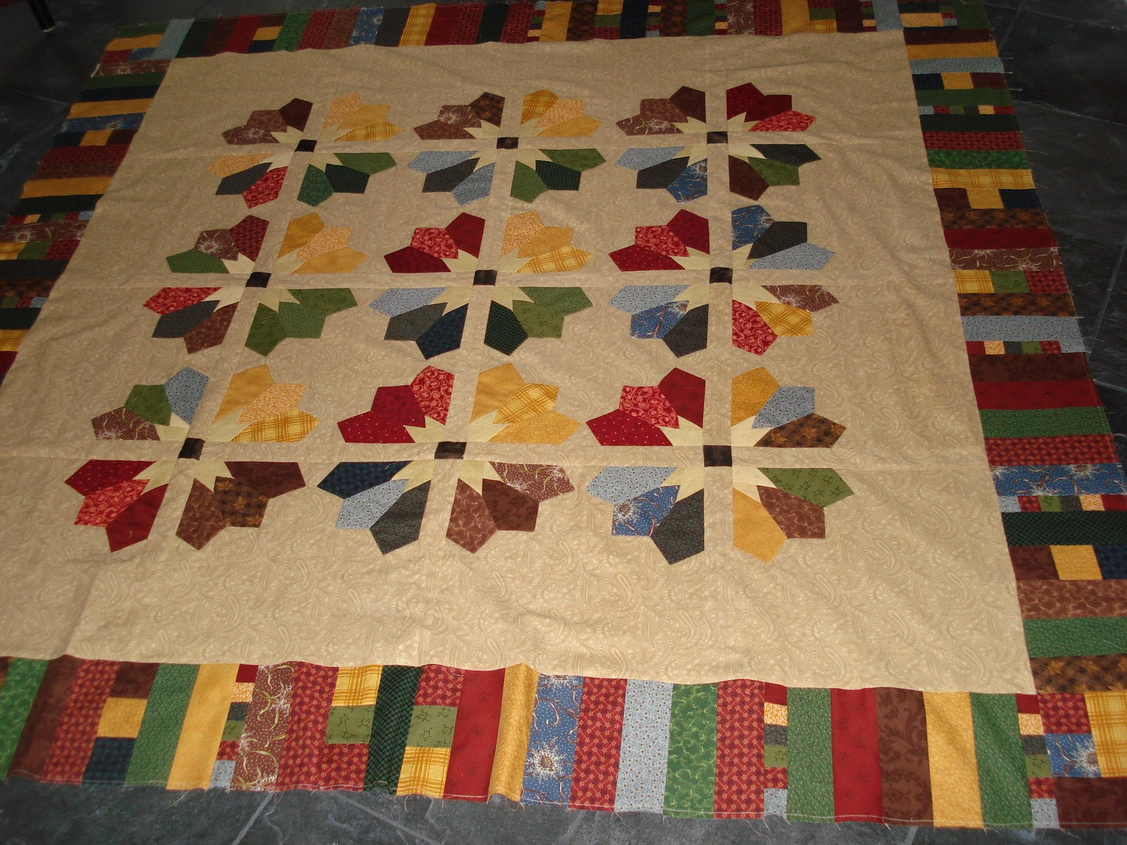 kyrotime  scrappy quilt   garden party leftovers