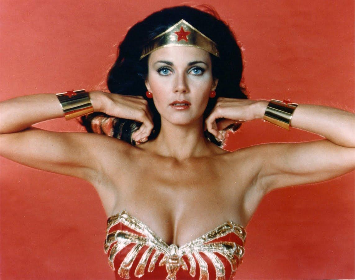 http://2.bp.blogspot.com/-SkHPDT1bXWs/TyXbaWUEHaI/AAAAAAAACQM/NwbFC07UHAc/s1600/lynda_carter_as_wonder_woman.jpg