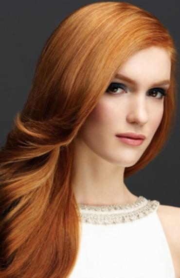 Color pelo rubio anaranjado