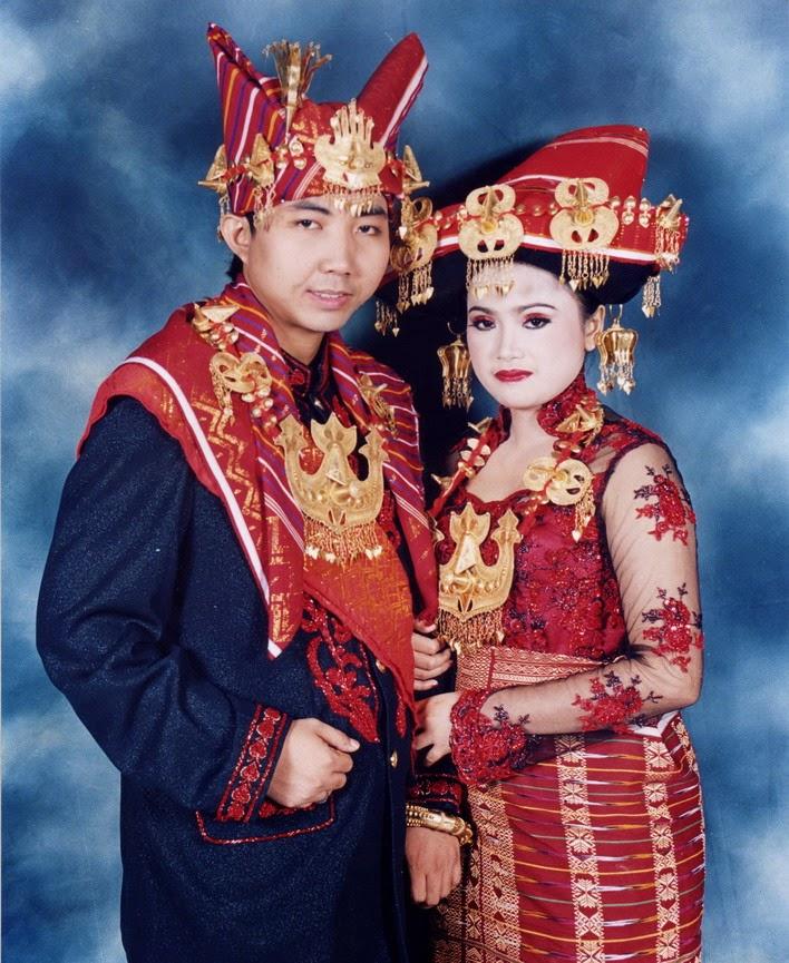Foto Model Baju Kebaya Pengantin Batak