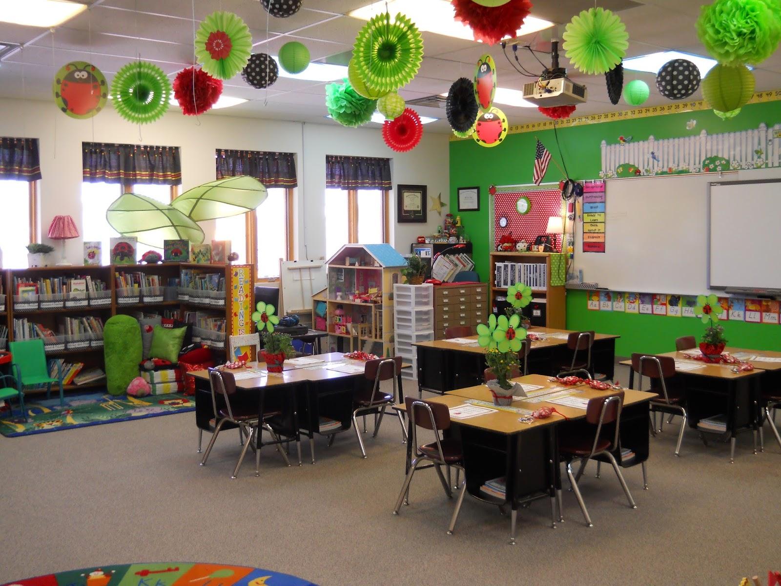 Classroom Decor Black And White : Nikkindergarten my  classroom ladybug theme