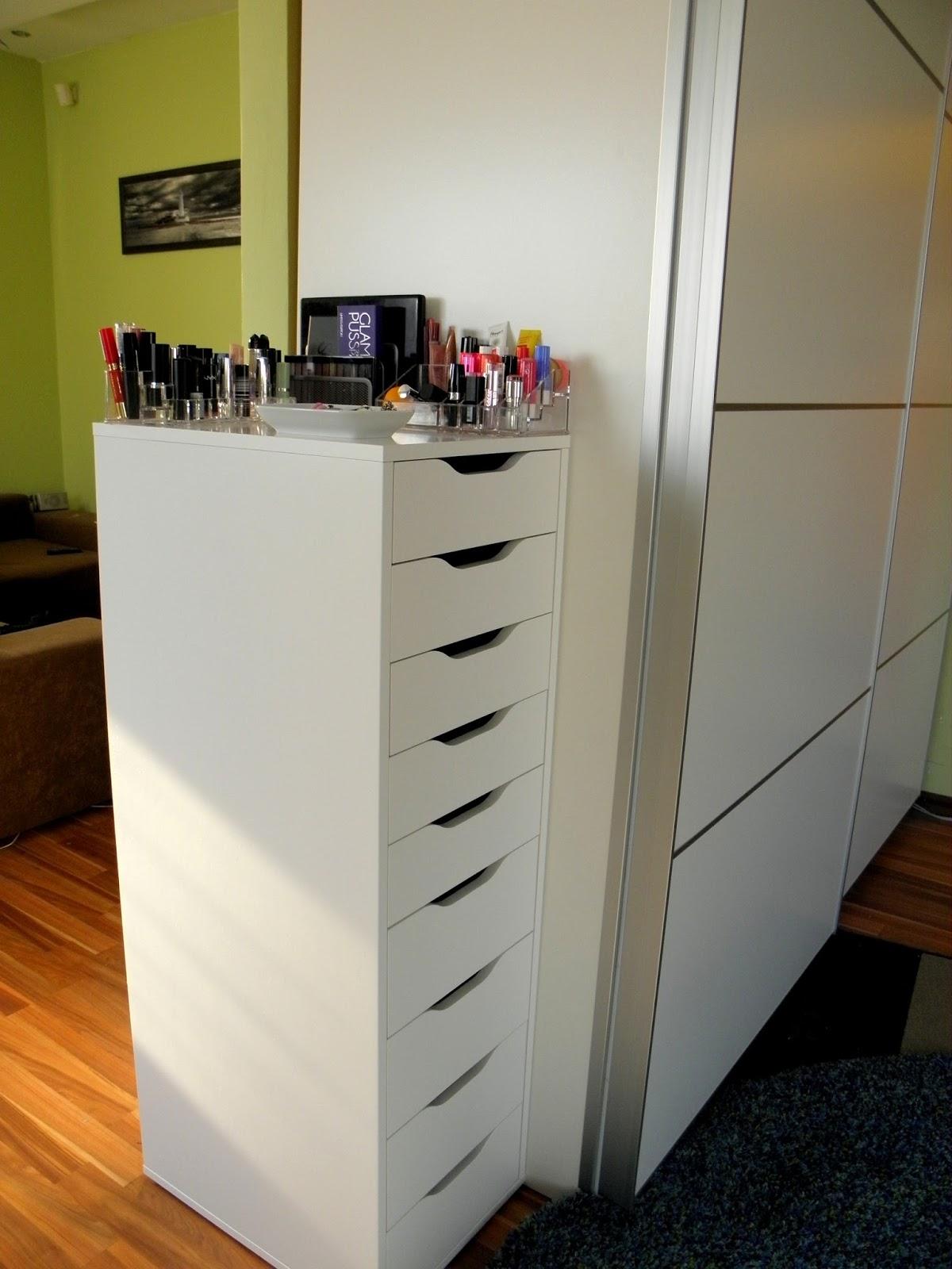 Dekorsarok - új sminklakás: az ikonikus 9 fiókos IKEA ALEX tároló