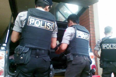 Tingatkan Keamanan Anggota Polresta Bogor Gunakan Rompi Anti Peluru