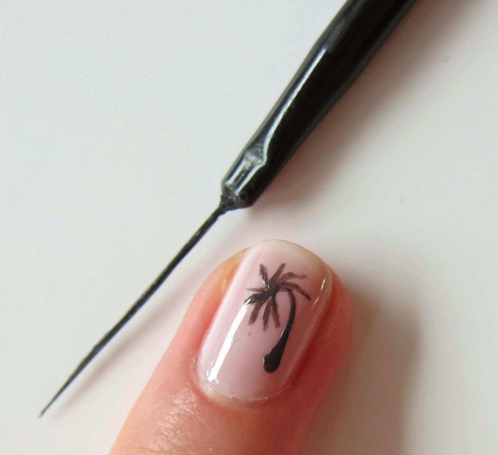 Swiss BeautyTalk: Essence Nail Art Tools