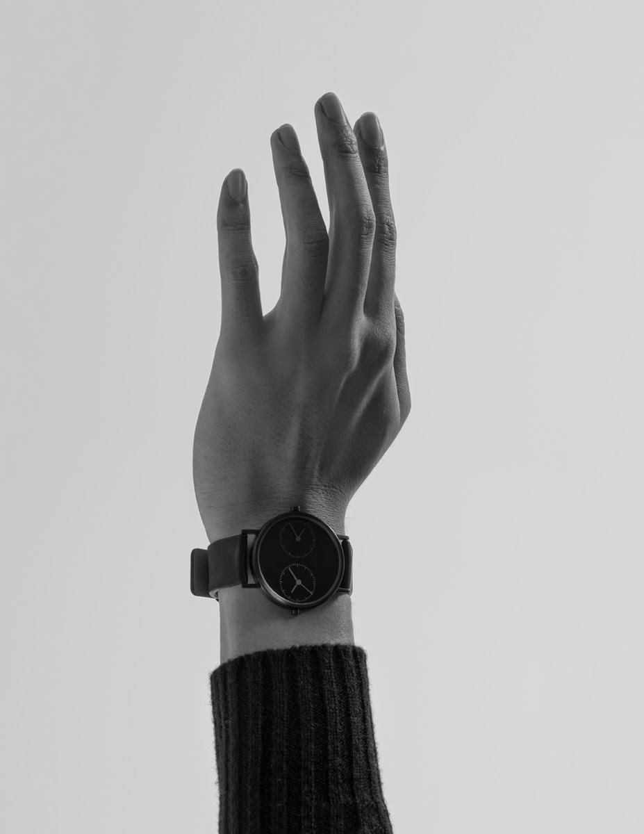 Men's Watch: Long Distance Black
