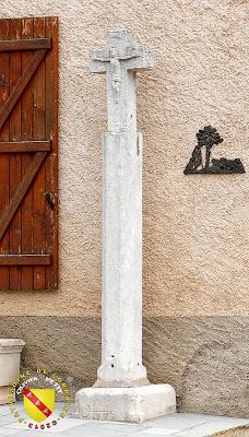 La croix de Dolcourt (1710-1779)