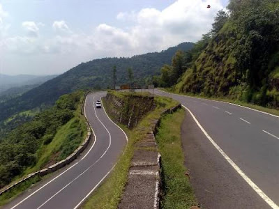 India's haunted highways - symbolic image