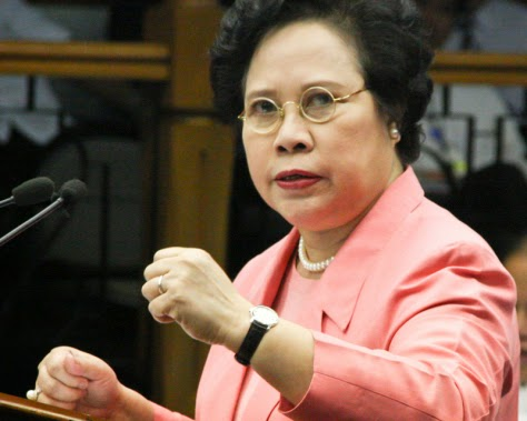 Miriam Santiago licks lung cancer, may run in 2016 elections
