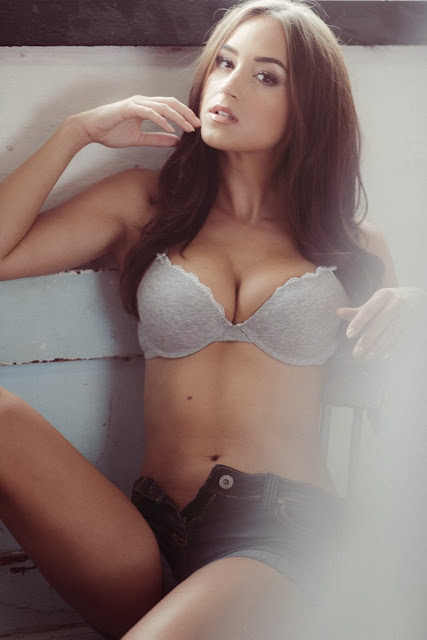 Rosie Jones Hot Cleavage And Topless Boobs For Nuts VIP