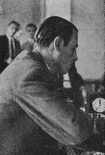 Juan Manuel Fuentes jugando ajedrez