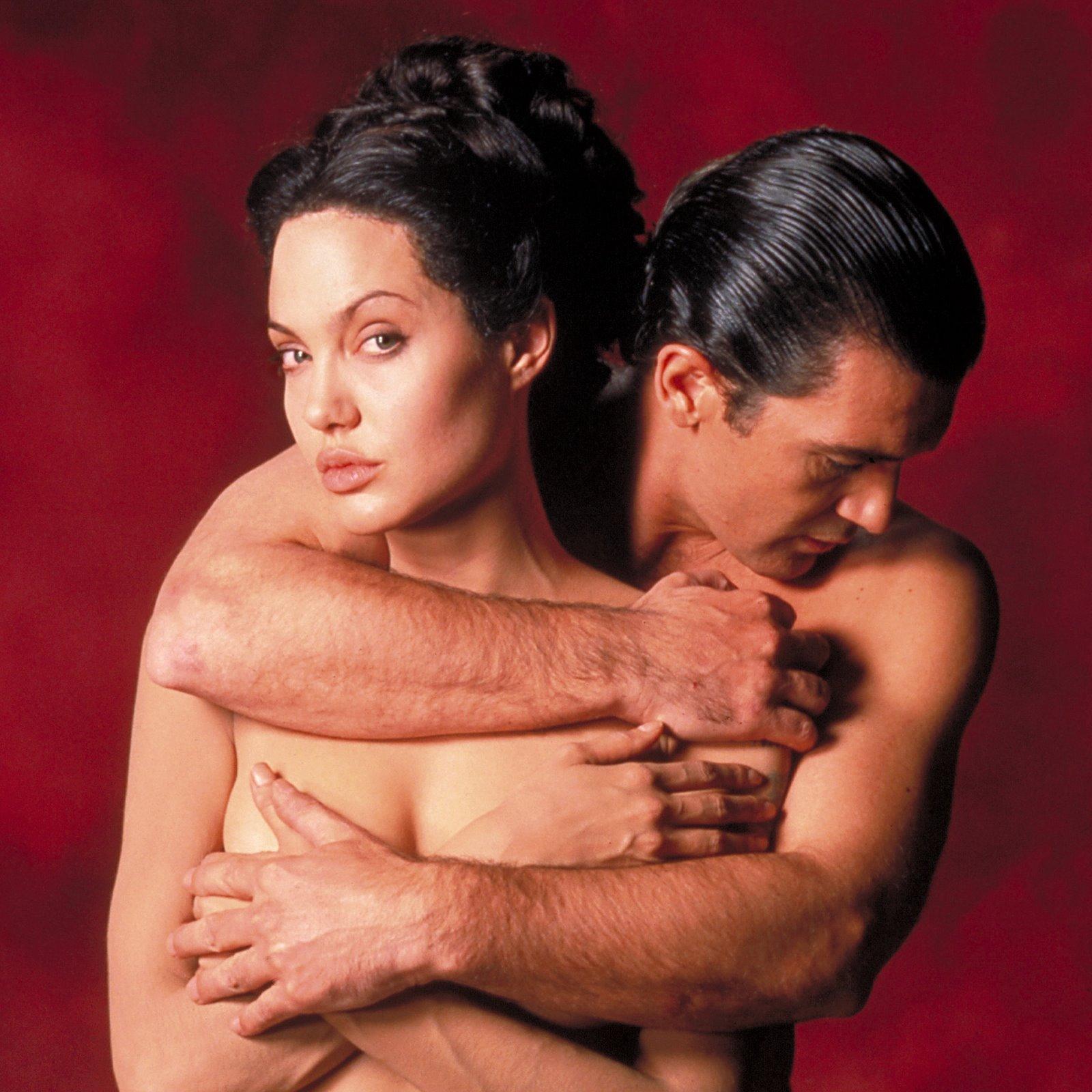 http://2.bp.blogspot.com/-Smazgaxqfko/T4wCzWlyP_I/AAAAAAAAWrc/bdIByWcDqcw/s1600/Angelina_Jolie_Antonio_Banderas.jpg