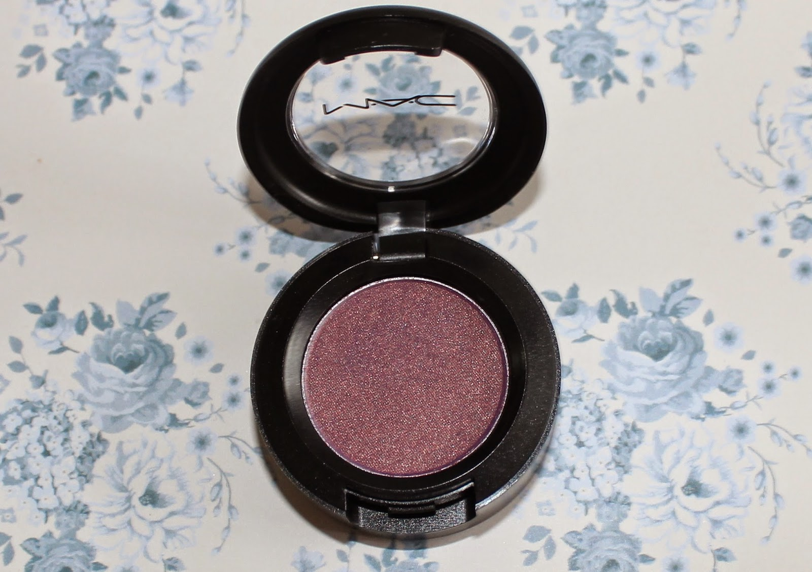 mac trax eyeshadow review