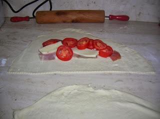 panzerotti ...pizza e pane con  lievitazione  pasta madre, naturale