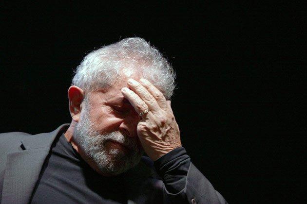 Resultado de imagem para imagem derrotada e triste de lula