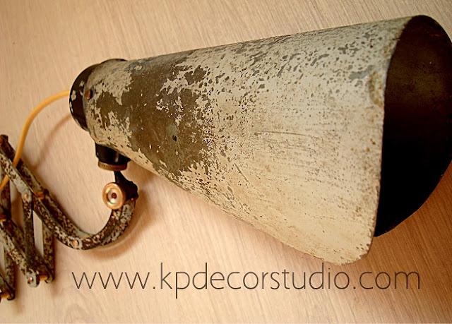 Apliques industriales de fábrica para decoración vintage, interiores, hogar o negocio.