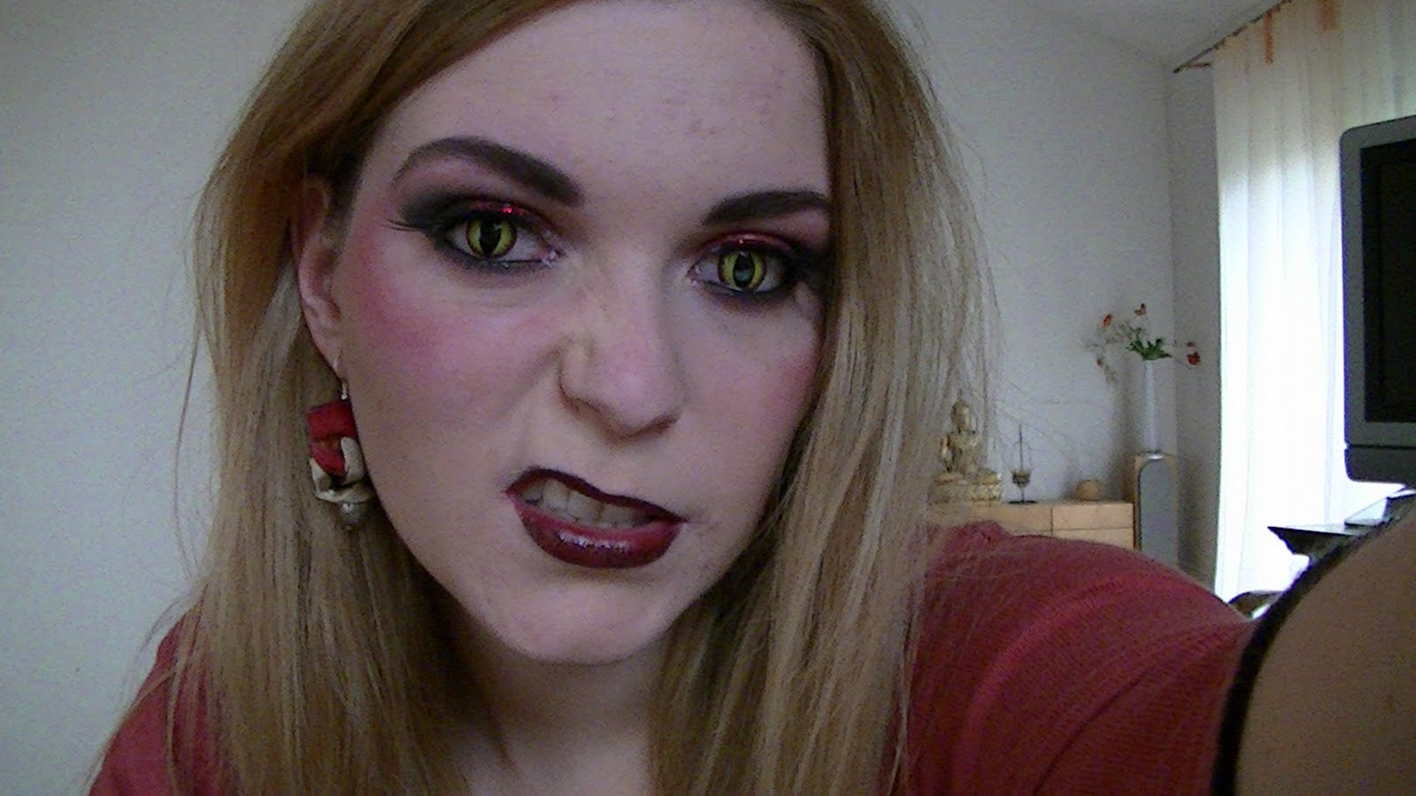 Beaut Rat E Vid O Maquillage D 39 Halloween Diablesse
