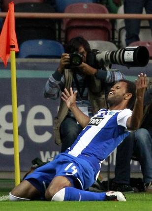 FC Porto Vencedor SuperTaça Cândido de Oliveira 2011/2011 (Foto: REUTERS / José Manuel Ribeiro
