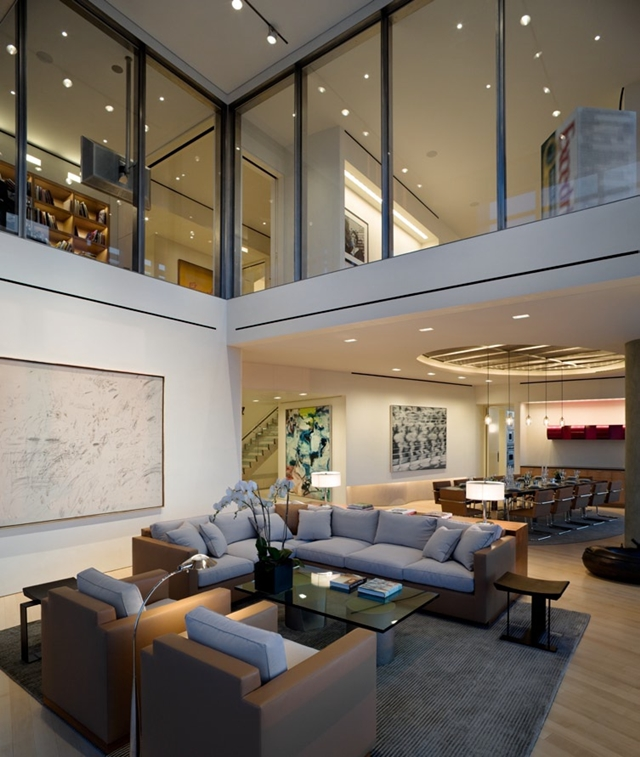 Photo of living room and dinning room in the background in Bloomberg Tower penthouse