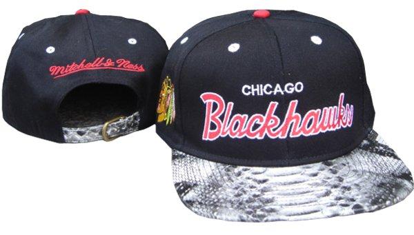 MBLV R APPAREL  MITCHELL   NESS  CHICAGO BLACKHAWKS Snakeskin Snapback c0a9d580fcd
