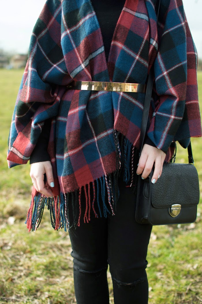 NEW LOOK TARTAN WRAP