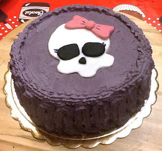 pasta-di-zucchero-torta-monster-high-panna-viola
