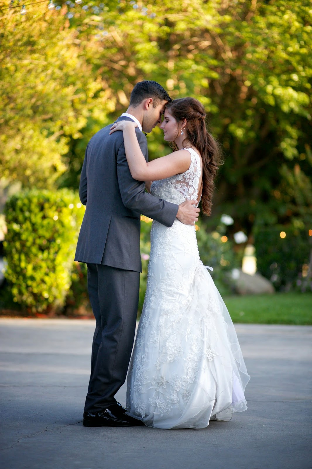 romantic first dance photo