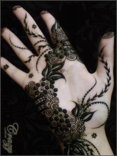 Elegant Beauty For Gals: Dubai Henna Design