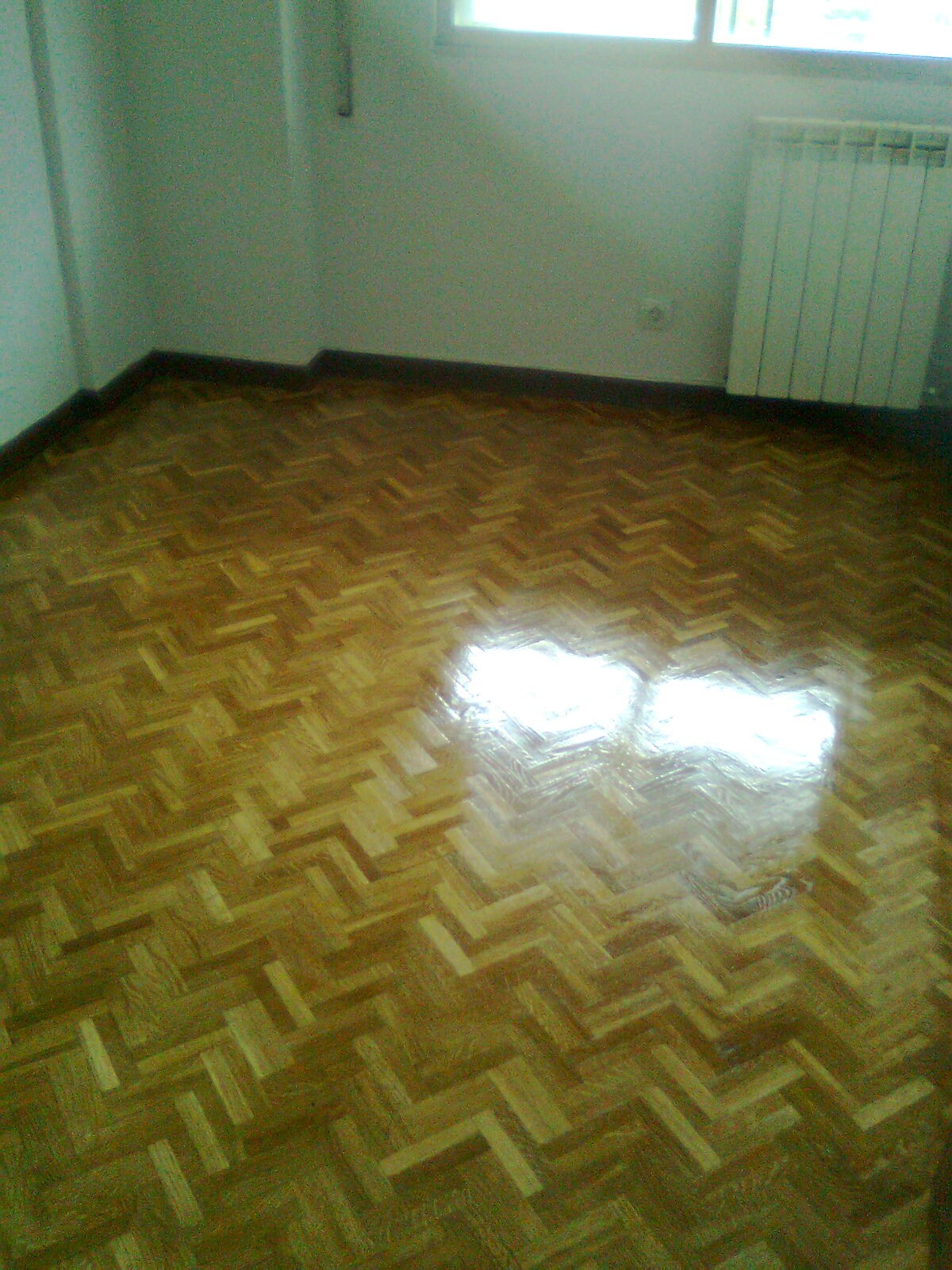 Pintura y decoraci n madrid barniz deva para tus suelos - Pintura para suelos de madera ...