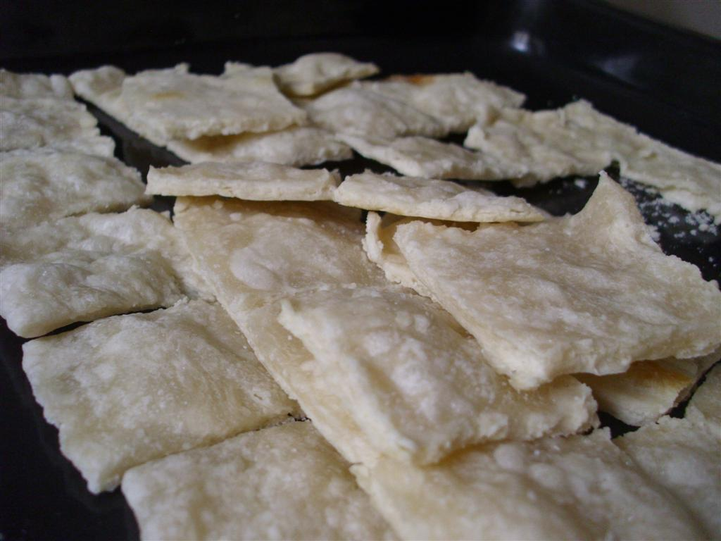 The do it yourself mom diy saltines diy saltines so plain soda crackers arent the most healthy recipe if you make them with all white flour but at least with this homemade recipe there are solutioingenieria Choice Image
