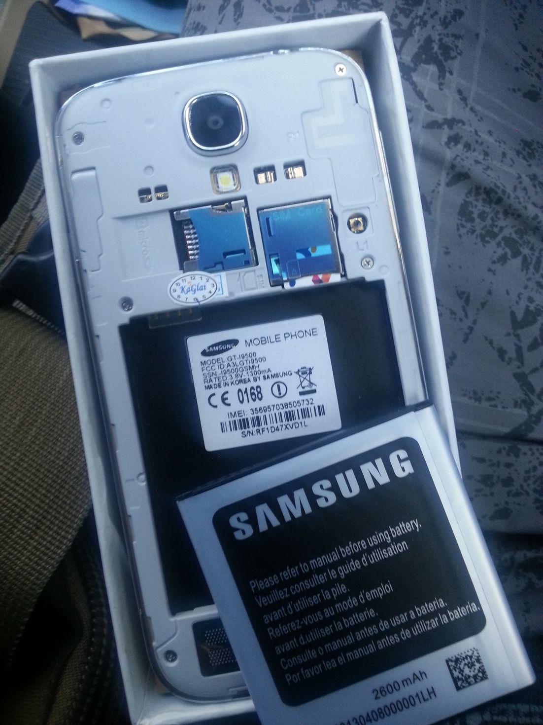 Membedakan Samsung S4 bajakan, dan S4 original