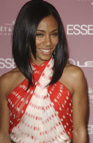 http://2.bp.blogspot.com/-Sony_qtWALU/TcZuanREQiI/AAAAAAAACb8/-y6XkF8DICs/s1600/jada-pinkett-smith-shoulder-straight-black-hairstyle-african-american-women-in-hollywood.jpg