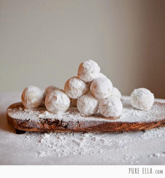http://pureella.com/amaretto-snowballs-glutenfree-vegan-quick-no-bake-dessert/