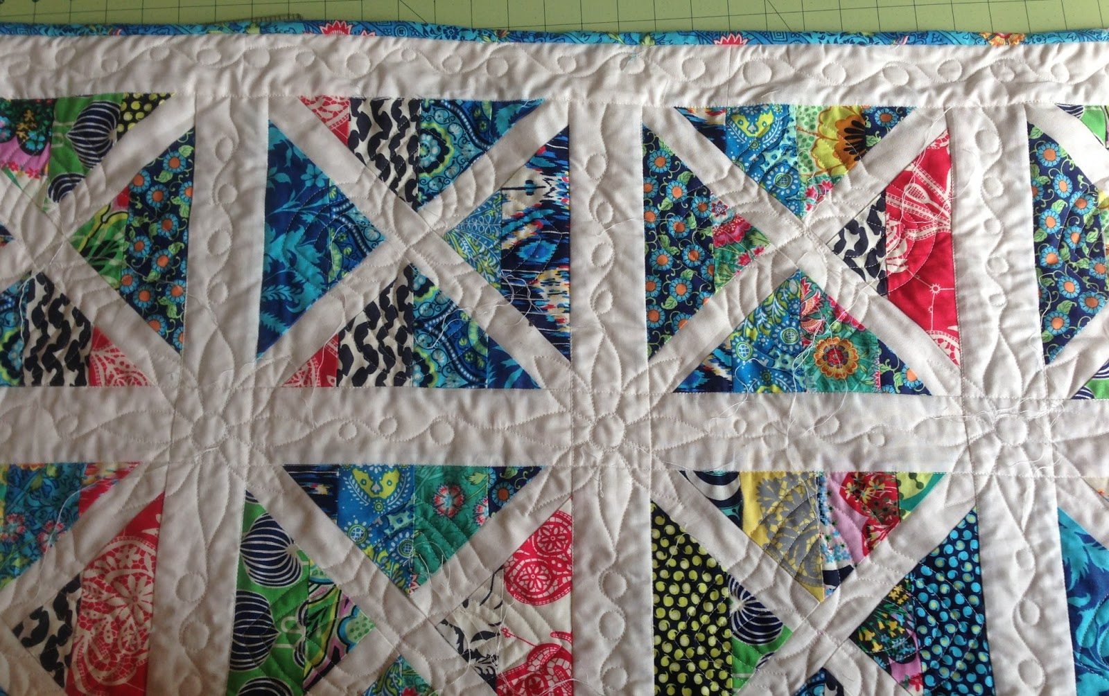 Quilty sewing scrappy garden trellis for Garden trellis designs quilt patterns
