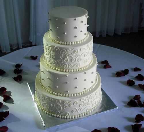Morning Runner Wedding Talk Cake