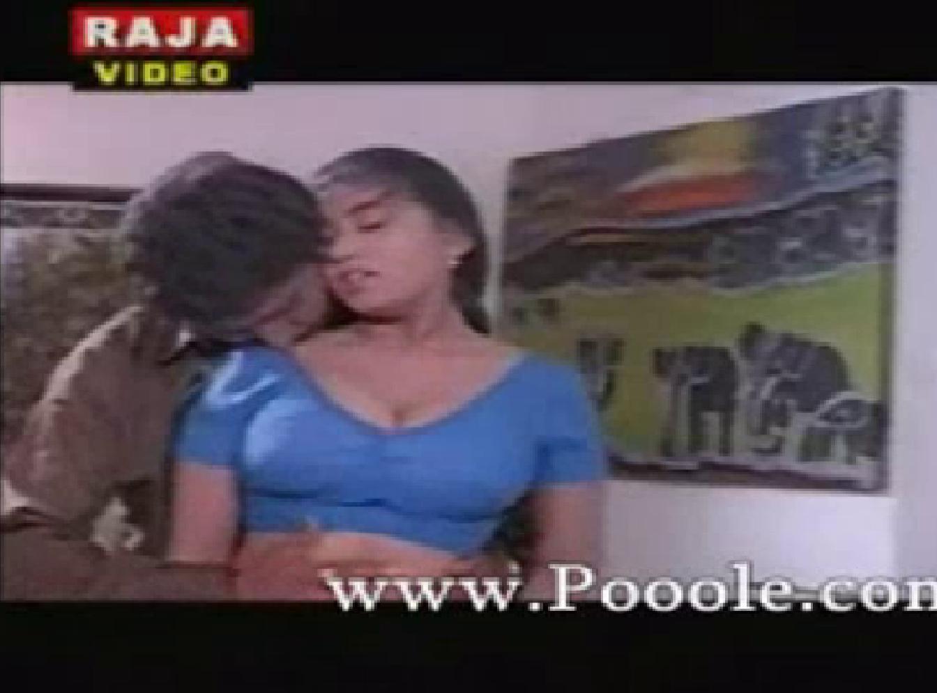 Mallu Aunty Devika Hot In Blue Blouse Pictures