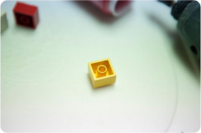 Lego Bracelet - www.thelifeofawannabesupermom.blogspot.com