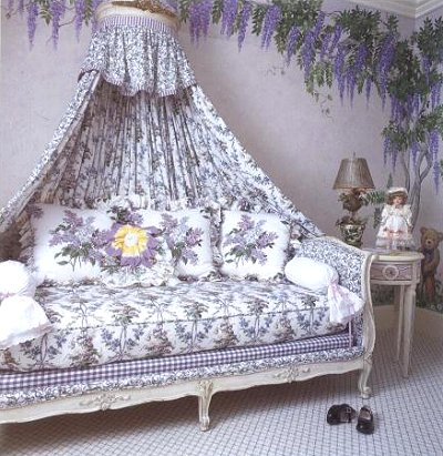 french inspired decorating with vintage elegance - French Style Bedroom Decorating Ideas