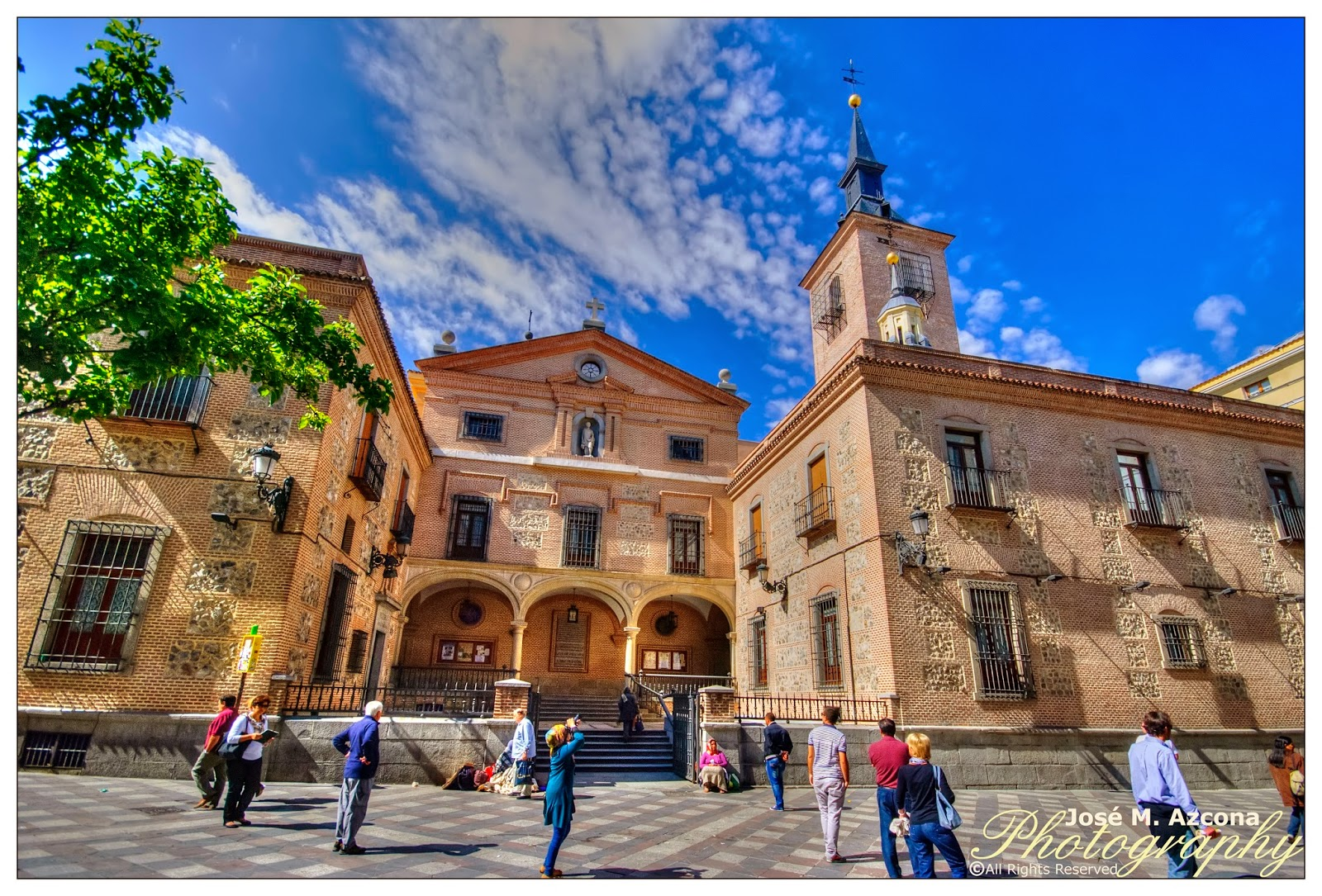 Iglesia de San Ginés de Arlés.